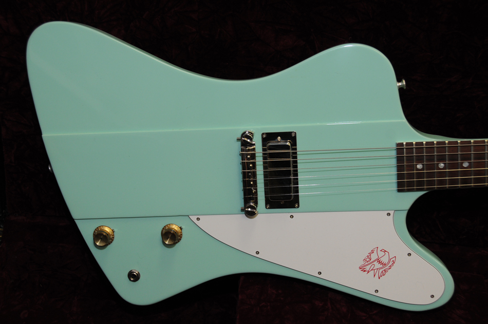 gibson firebird dating The gibson firebird studio was introduced in 2004 and features the classic reverse body shape but with a conventional set neck (not-neck through) and full-sized humbucking pickups.