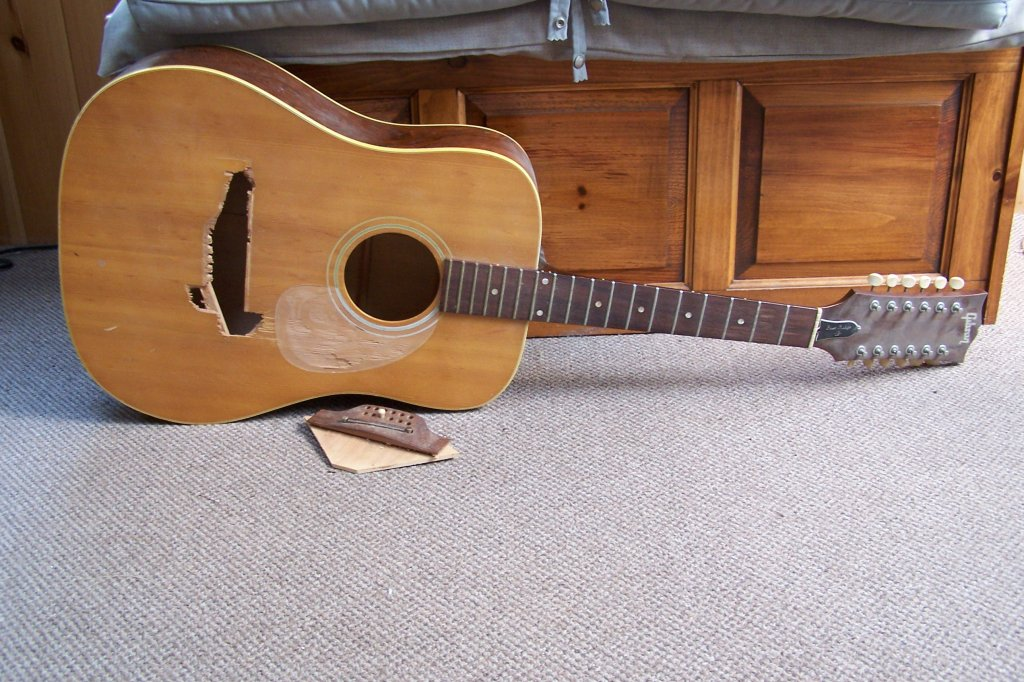 beat beyond heck gibson 12 string acoustic not for the squeamish. Black Bedroom Furniture Sets. Home Design Ideas